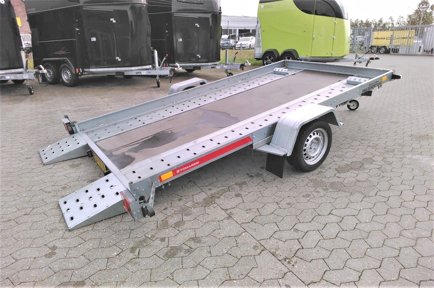 Temared Car flat autotrailer udlejning